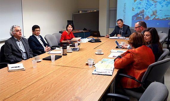 La vice-rectrice de l'Université d'économie de Danang à l'UQTR